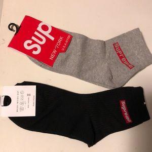 Supreme woman socks